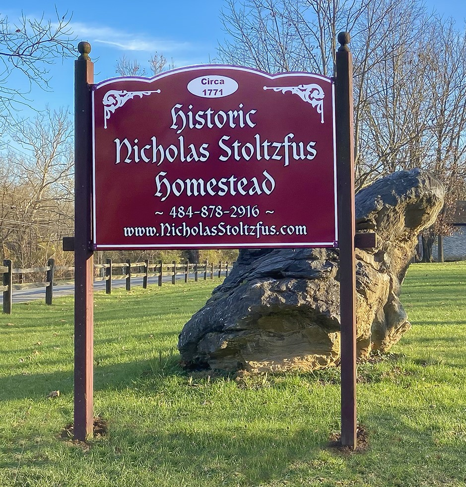 nicholas stoltzfus homestead entrance sign